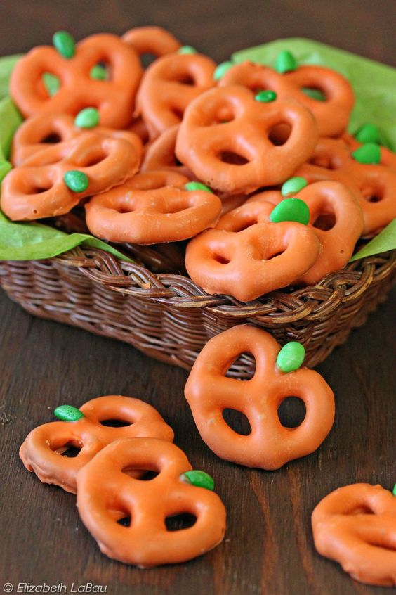 Cute Halloween Treats that are EASY to Make